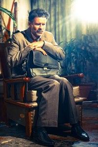 First-Look-Manoj-Bajpayee-from-Movie-Aligarh